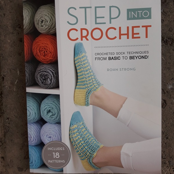 006 Book Review of Step into Crochet
