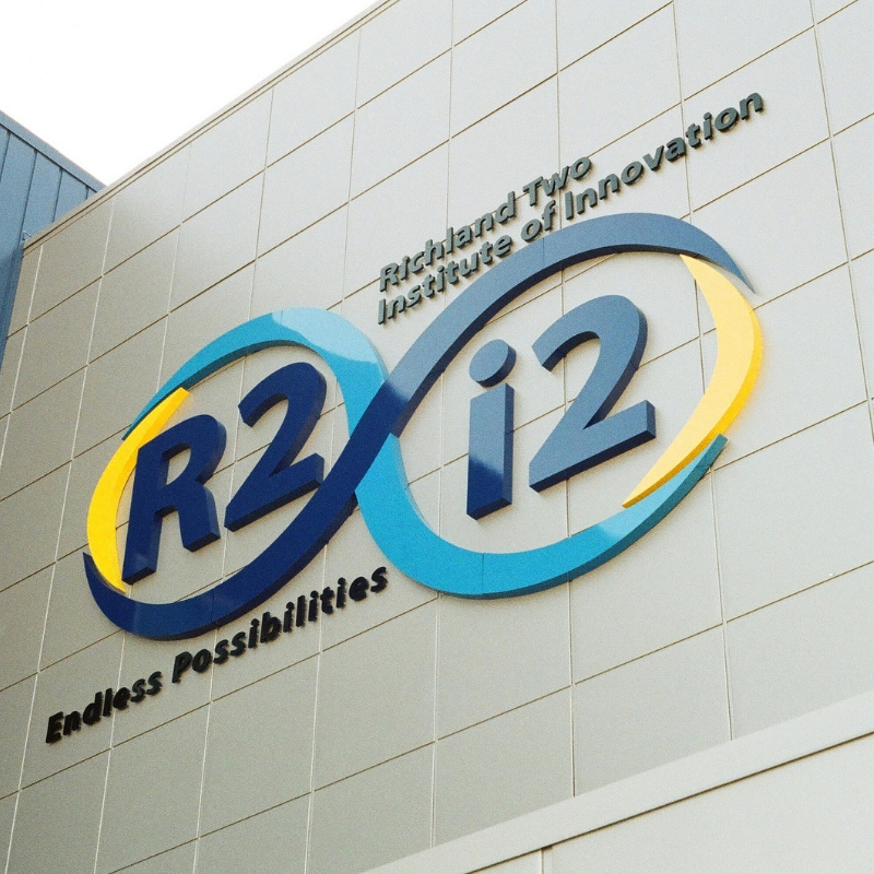R2i2 with Jacqui Lee - Episode 63