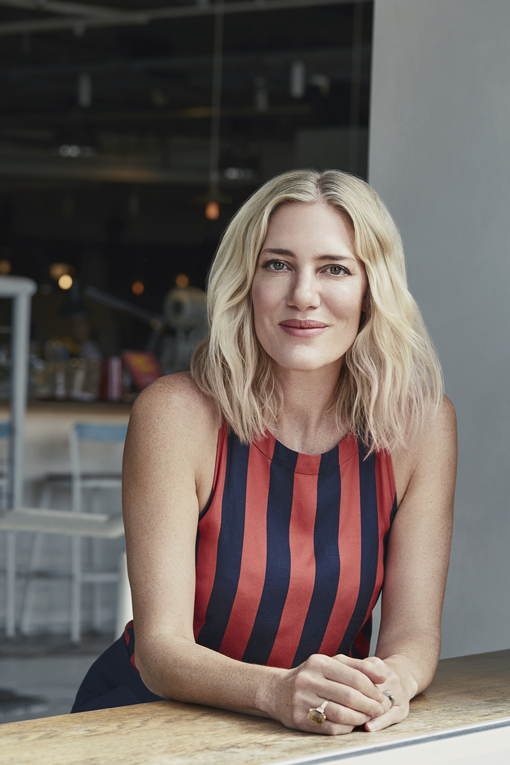 15: Kelly Doust talks about vintage fashion and women in their power age