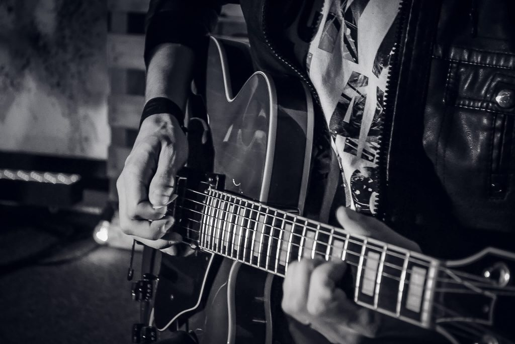What makes a guitar solo TRULY great and why most internet polls are completely wrong on the subject.(Rockin' Rant #32)