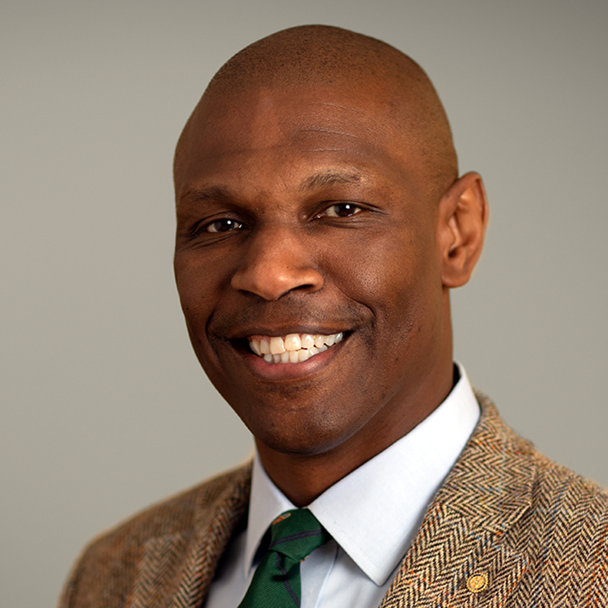 From Air Force plane nosedive to university president: Dr. Chris Howard & the power of mentoring S2EP8
