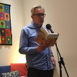 Brian Whittingham - poet, writer and playwright chats to Pat about his writing and his transition from steelworker to writer. Brian is the first ever Tannahill Weaver, Makar of Paisley.