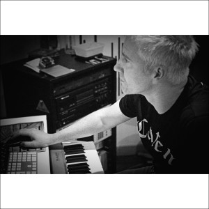 David Forbes speaks to Jim. David is an A-list Electronic Dance Music producer and has been a busy DJ for the last 2 decades.