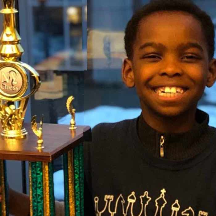 8-Year-old Homeless Immigrant Was Taught to Play Chess – Now Breaks Record as State Champion, Internet Sends Flood of Support