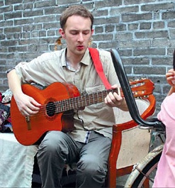 Kevin McGeary - Writing Chinese-language satire songs