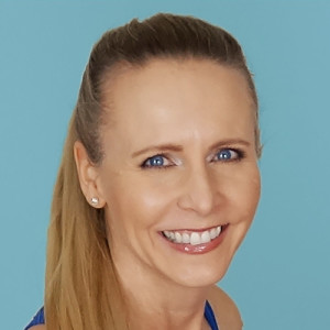Episode 27: Healthy, Wise and Wealthy with Dr. Robyn