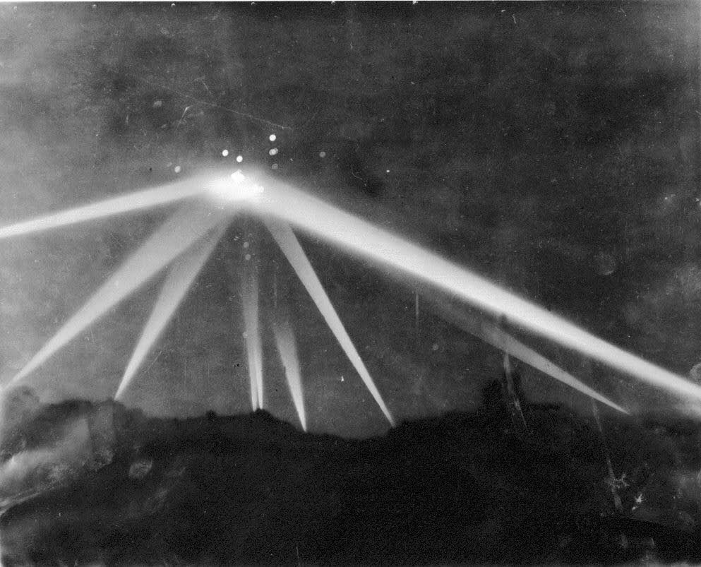 S05E06: The Battle of Los Angeles and the West Coast Invasion Scare